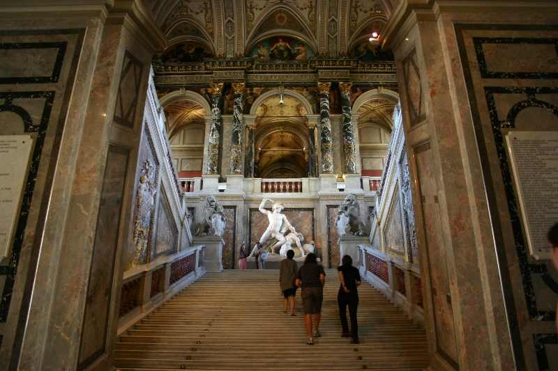 Kunsthistorisches Museum (Art History Museum), Vienna. This is one of my favorite six places to visit in Vienna. Read the article to discover the other five amazing things to do in Vienna Austria. #Vienna, #Austria #viennaattractions