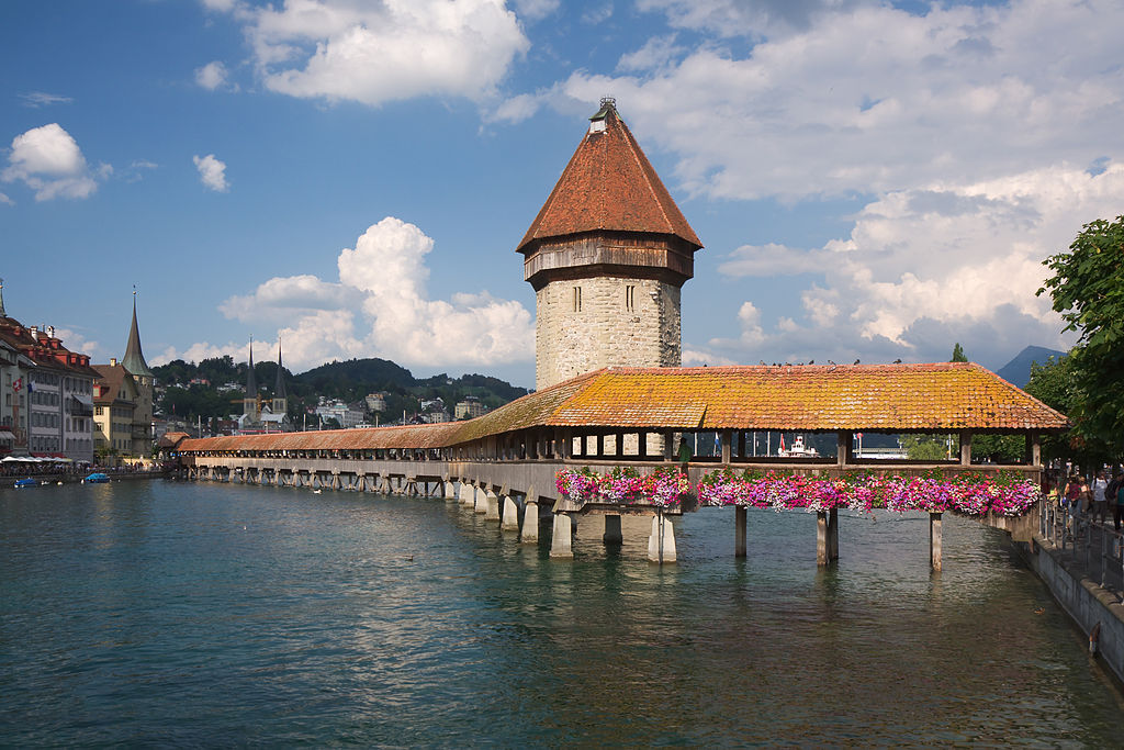 Luzern Kapellbruecke Chapel Bridge