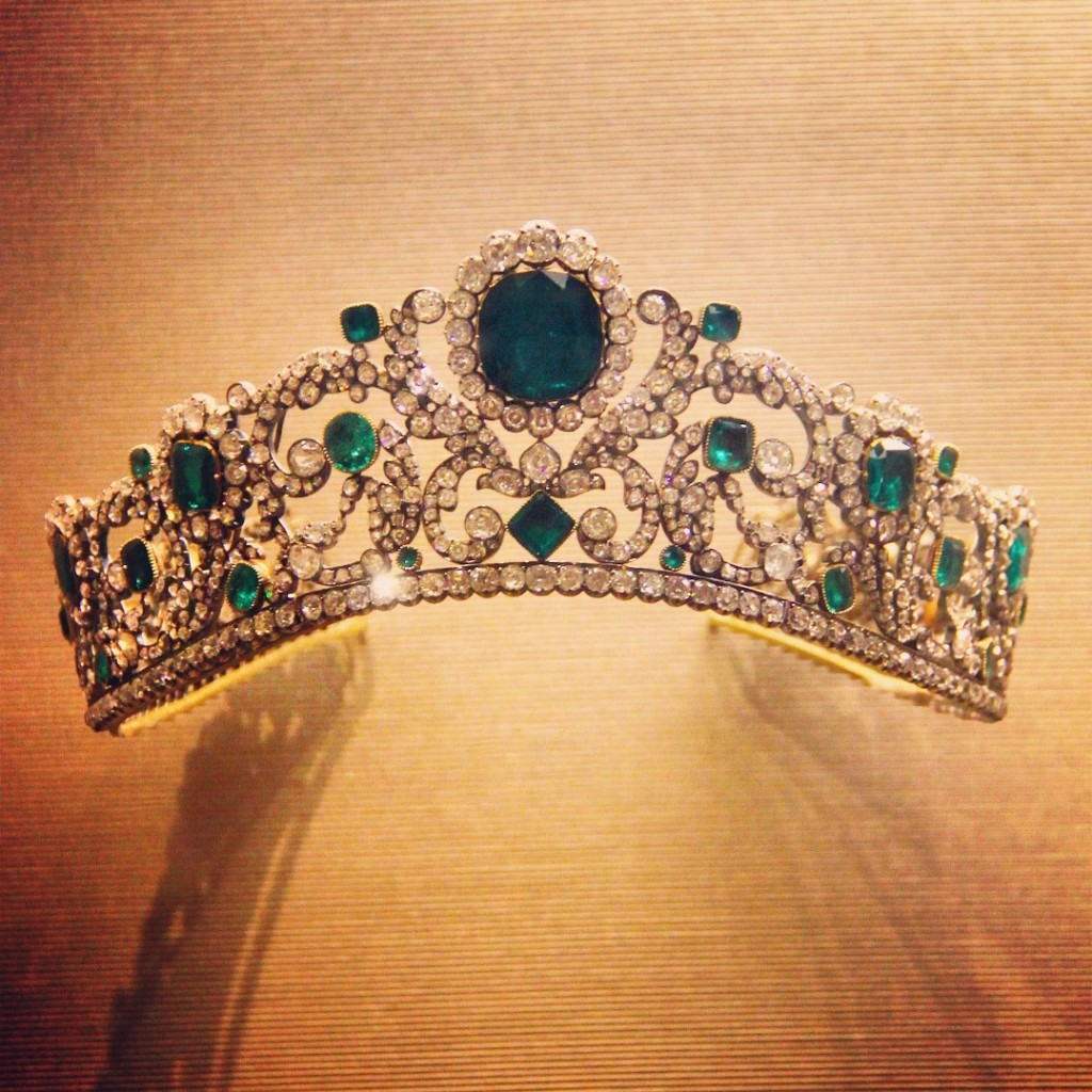 Princesses' Jewelries - crown - Louvre Museum