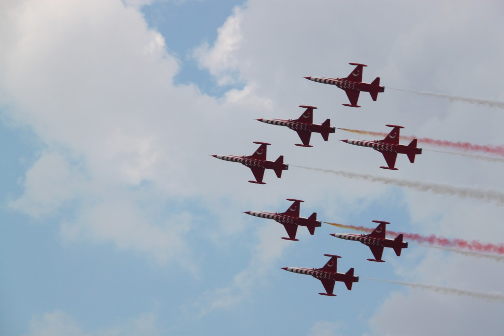Turkish Stars - Bucharest International Air Show 2015 #BIAS2015