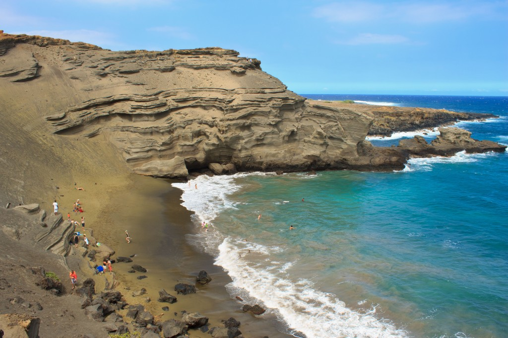 #Hawaii - Green sand beach, Best place to spend #Christmas #travel //www.earthsattractions.com/best-christmas-destinations/