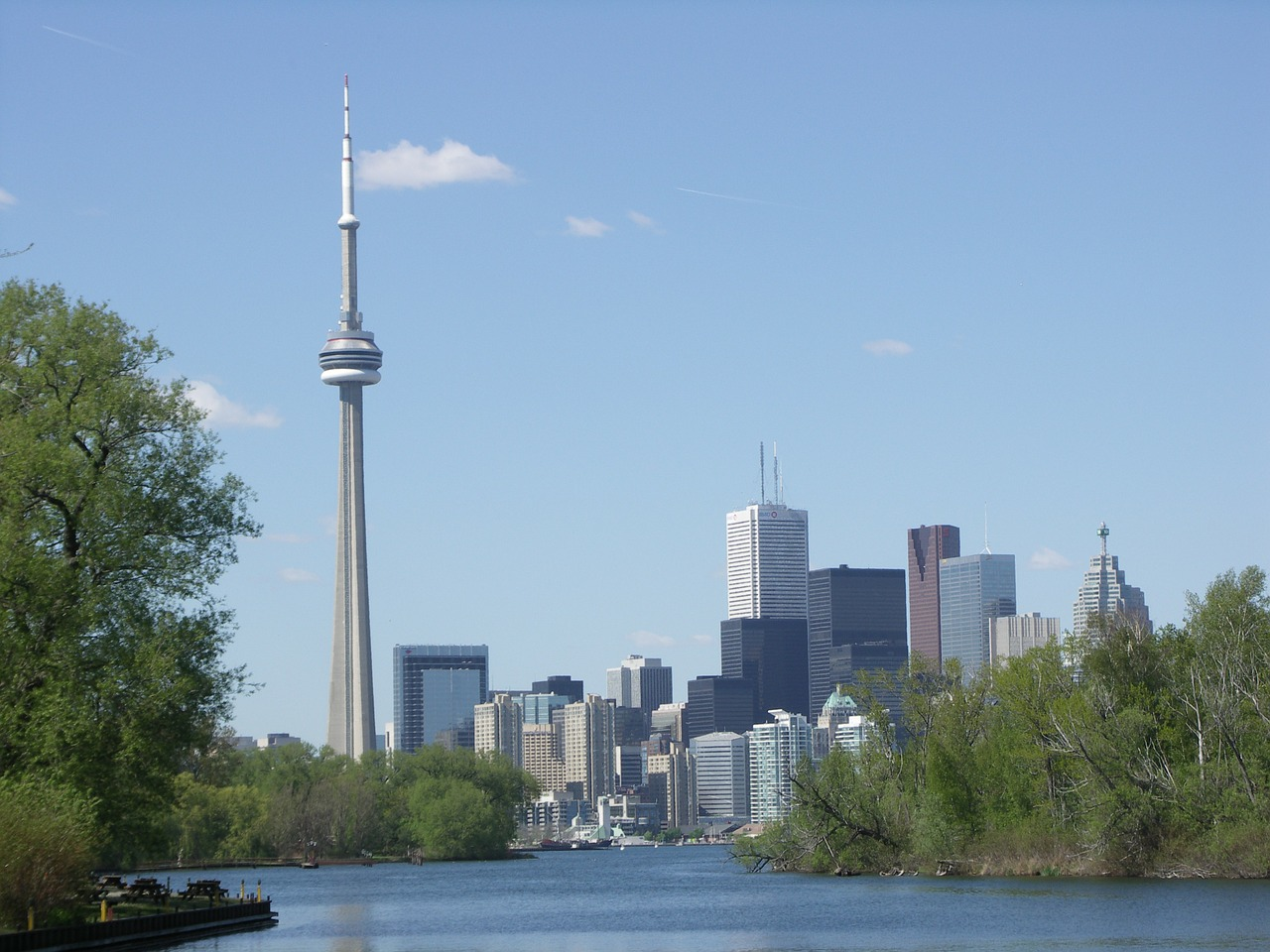 Top 5 places to visit in Toronto on your first trip here