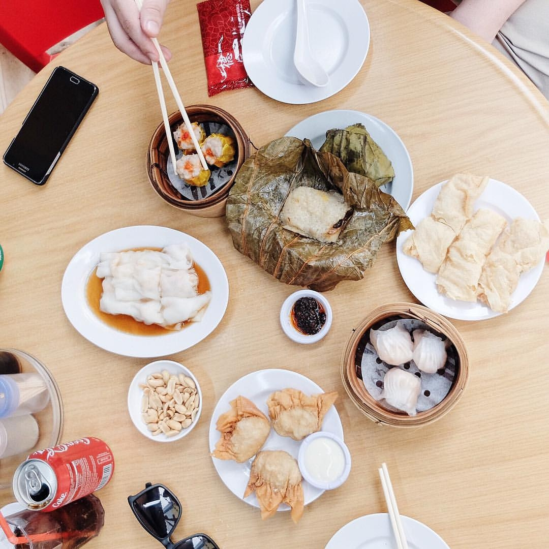 Dim Sum in Singapore - Read this local's guide to Singapore and find out where to eat in Singapore, what to see in Singapore, and Singapore tips. #Singapore #singaporeguide #singaporetraveling #singaporetravel #asiatravel #singaporetravelguide #travelguide #singaporetips