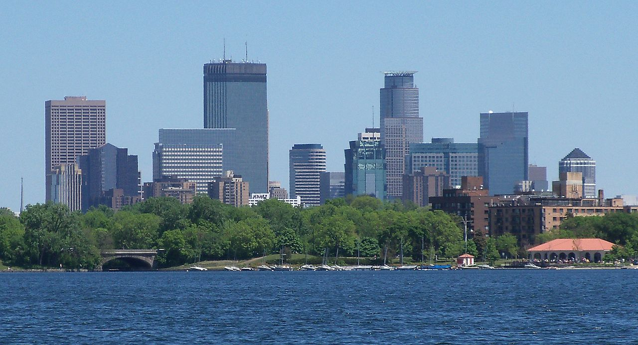 Minneapolis and Lake Calhoun - wikipedia