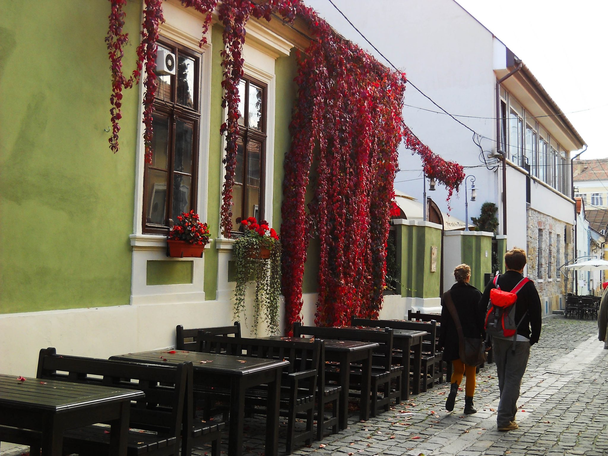 Cobbled streets and great cafes in the old town centre - A complete travel guide to Cluj-Napoca