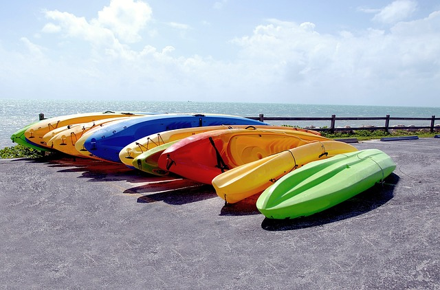 kayaks pixabay