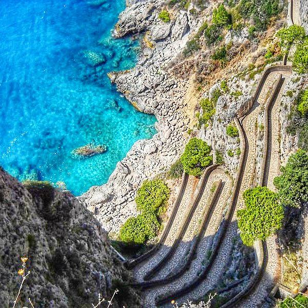 A view of the via Krupp from above - 10 photos that will make you want to travel to Capri, Italy