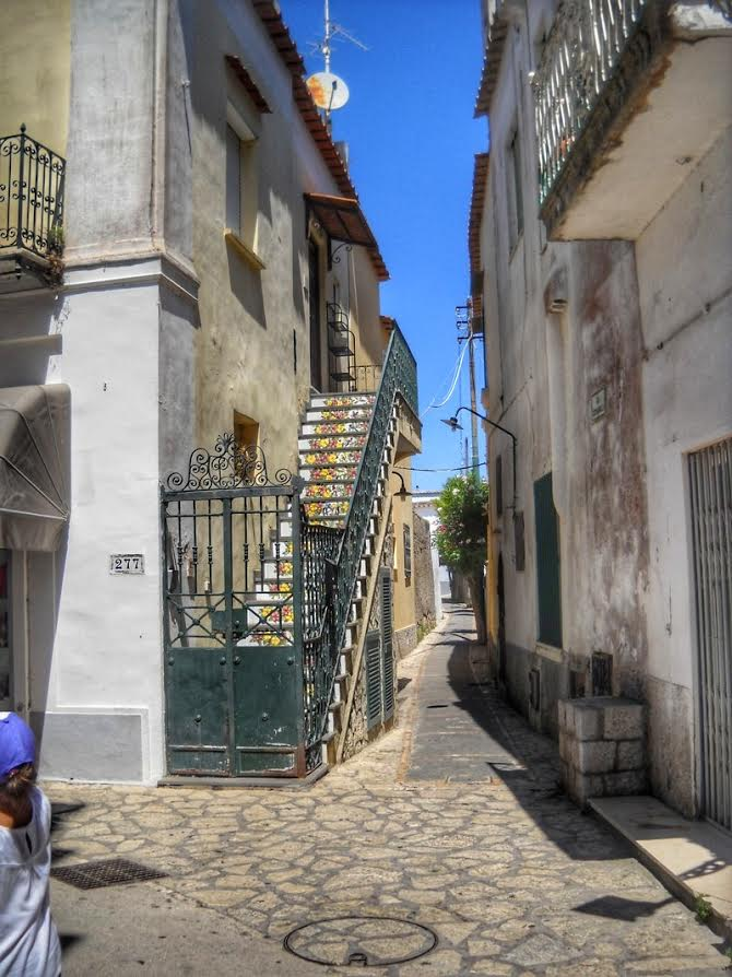 Street in Anacapri - 10 photos that will make you want to travel to Capri, Italy