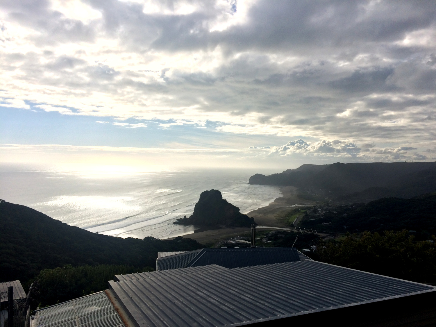 Piha - A local's travel guide to Auckland, New Zealand