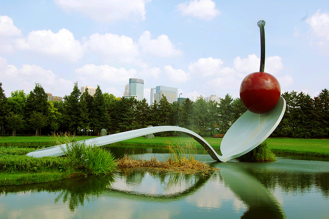 Spoonbridge and Cherry sculpture