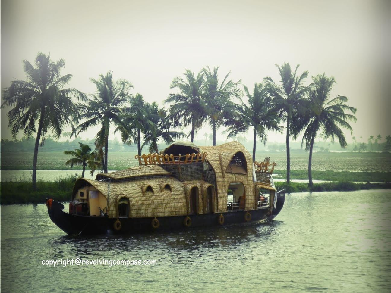 Alleppey - Kerala, India - The best places to see in Kerala - A complete travel guide to Kerala