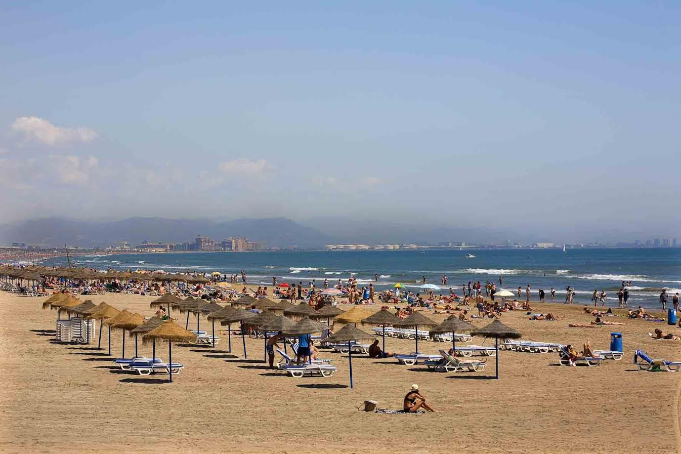 Valencia beach - Best free things to do in Valencia
