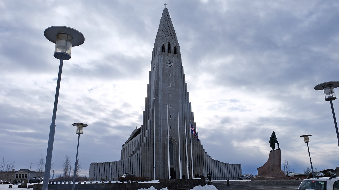 Reykjavik - Hallgrímskirkja - Top attractions in Iceland that you can't miss