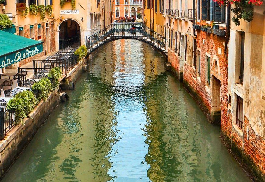 Explore Northern Italy: Milan, Como, Verona, Venice Tour