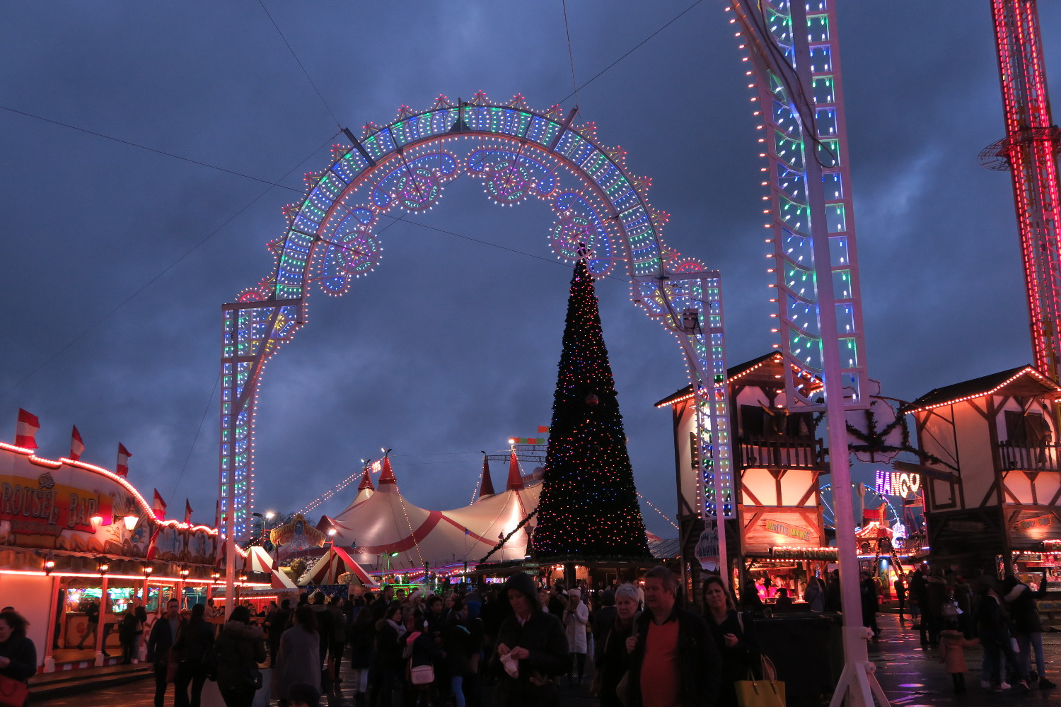 The Winter Wonderland Christmas Market in London, UK is one of the best Christmas Markets in Europe. Read the article to discover the best Christmas markets in Europe #christmas #christmasholidays #christmastrips #europemarkets #europechristmasmarkets #christmasmarkets