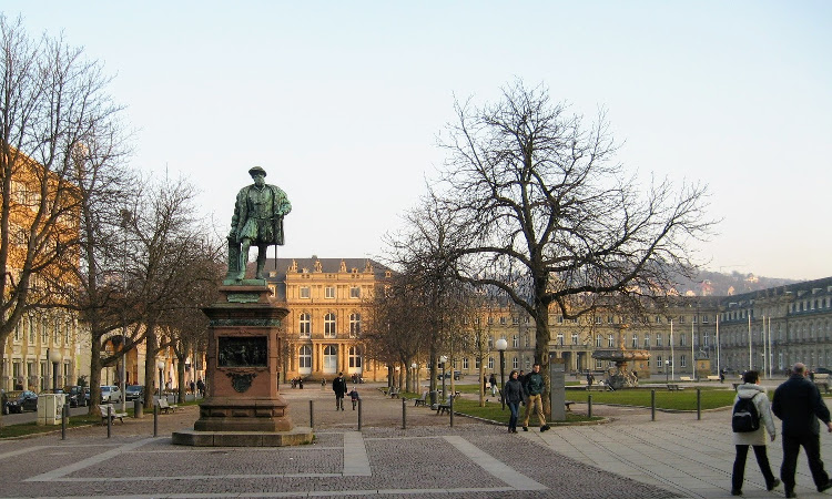 A local's guide to Stuttgart - Palace square Stuttgart