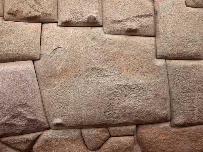12 angled stone - Wikipedia