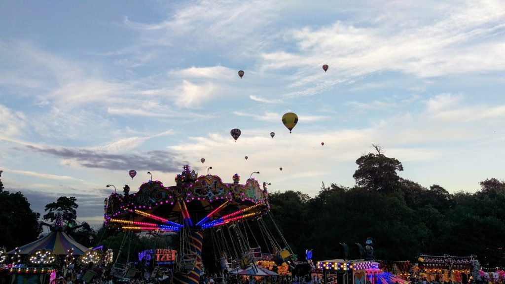 International Balloon Fiesta in Bristol - a fun event that takes place during the summer. Read this insider's guide to learn the top attractions in Bristol, England, food in Bristol, and accommodation in Bristol. #bristol #england #uk #bristoltraveling #travelbuide #bristolguide