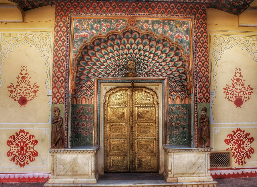 Lotus Gate representing Summer season in City Palace in Jaipur, India. Read this comprehensive guide to Jaipur India written by a local to find out when it's the best time to visit Jaipur, what to see in Jaipur, where to eat in Jaipur, where to stay in Jaipur for any budget, and tips for Jaipur #Jaipur #India #indiatravel #Jaipurguide #Jaipur #Asia #travelasia #travelguide #Jaipurguide
