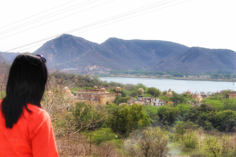Road to Amber offers breathtaking views in Jaipur, India. Called the Pink City, Jaipur is a popular destination in India. Read this insider's guide to Jaipur, India, featuring the top attractions in Jaipur, where to eat in Jaipur, where to stay in Jaipur, and tips for Jaipur #India #indiatravel #Jaipurguide #Jaipur #Asia #travelasia #travelguide #Jaipurguide