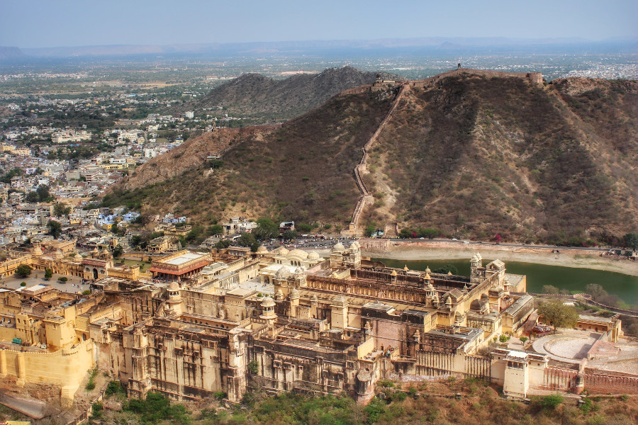 Views from Jaigarh fort in Jaipur, India. Read this local's guide to Jaipur, India, also known as the Pink City, and discover the best things to see in Jaipur, restaurants in Jaipur, hotels in Jaipur, and tips for Jaipur #India #indiatravel #Jaipurguide #Jaipur #Asia #travelasia #travelguide #Jaipurguide