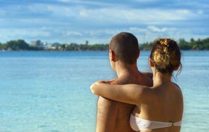 honeymoon beach pexels