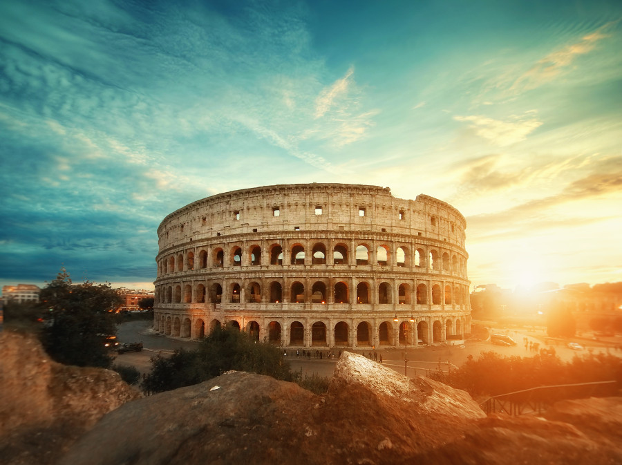 Coliseum - Colloseum - Check out this insider's guide to Rome, Italy and discover the top things to see in Rome, the unknown gems in Rome, where to eat in Rome, where to stay in Rome (hotels in Rome), and tips for Rome from a local. Save this pin to your board for travel inspiration! #Rome #Italy #Rometravel #travelguide #tourist #attractions #travel #europe #romeguide #rometravelguide