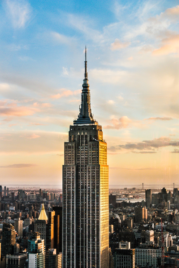 Empire State Building, NYC. Read this article and discover a perfect NYC 3-day itinerary by a local. #nyc #usa #newyorkcity #nycguide #nycitinerary #nyctraveling #usatraveling #travelguide
