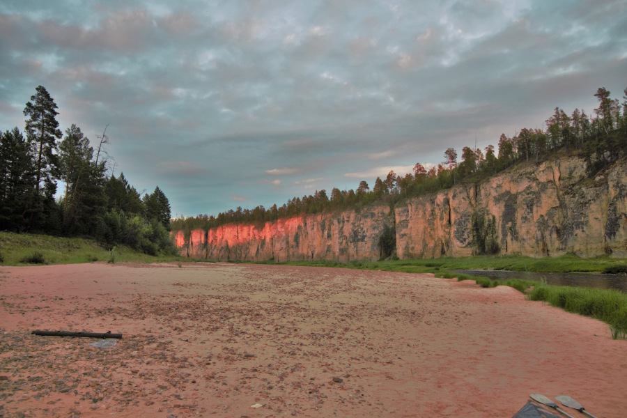 Pillars on the banks of a tributary of the Lena river. Read this article and discover the best things to do in Yakutsk, off the beaten path attractions in Yakutsk, and Yakutsk tips. Yakutsk #Yakutsktravel #Siberia #Yakutskrussiatravel #Yakutsktips #Yakutskguide #Yakutsktravelguide #Yakutsktravel