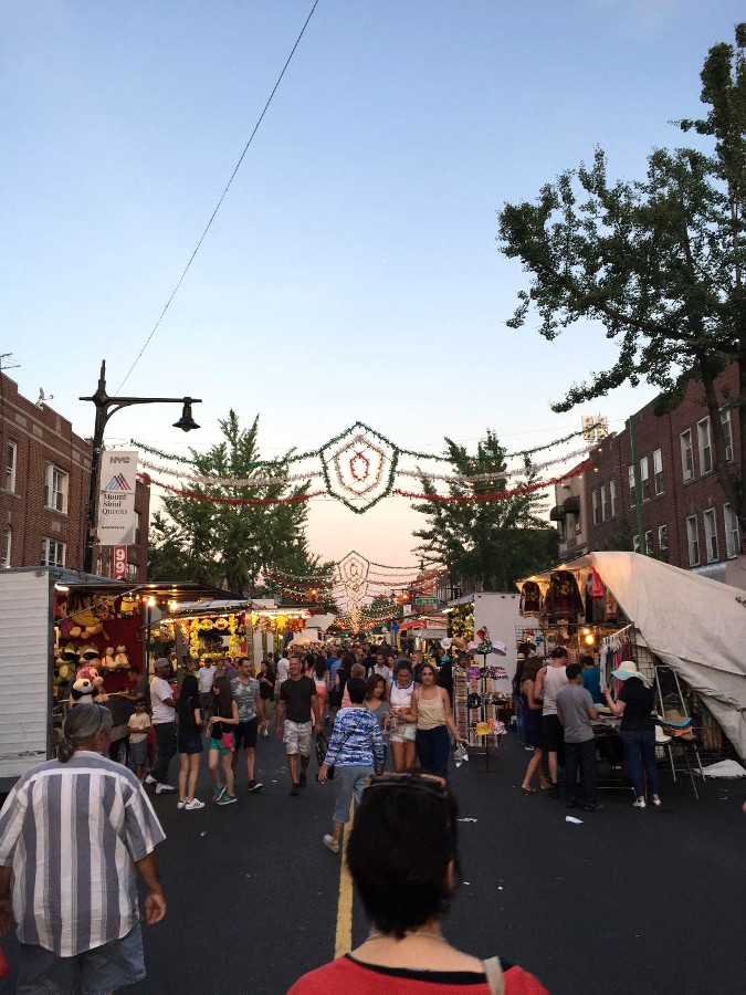 Street Fair in As=toria, Queens - Read the article and discover the best things to do in Queens from a local. #queens #queensny #queensguide #queenstravelling #queensattractions #usa