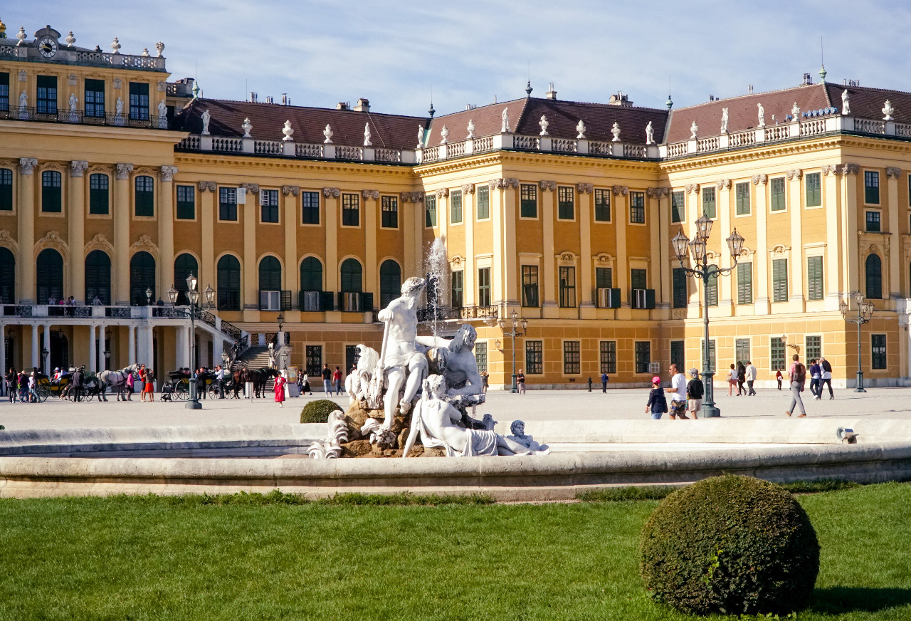 The majestic Schonbrunn Palace. Discover tips for visiting Schonbrunn Palace, what to do at Schonbrunn Palace, and more. #schonbrunn #schonbrunn #schonbrunntips #schonbrunnvisit #schonbrunnviennaall the amazing things to see at the Schonbrunn Palace #schonbrunnpalace #schonbrunn #schonbrunn #schonbrunntips #schonbrunnvisit #schonbrunnvienna