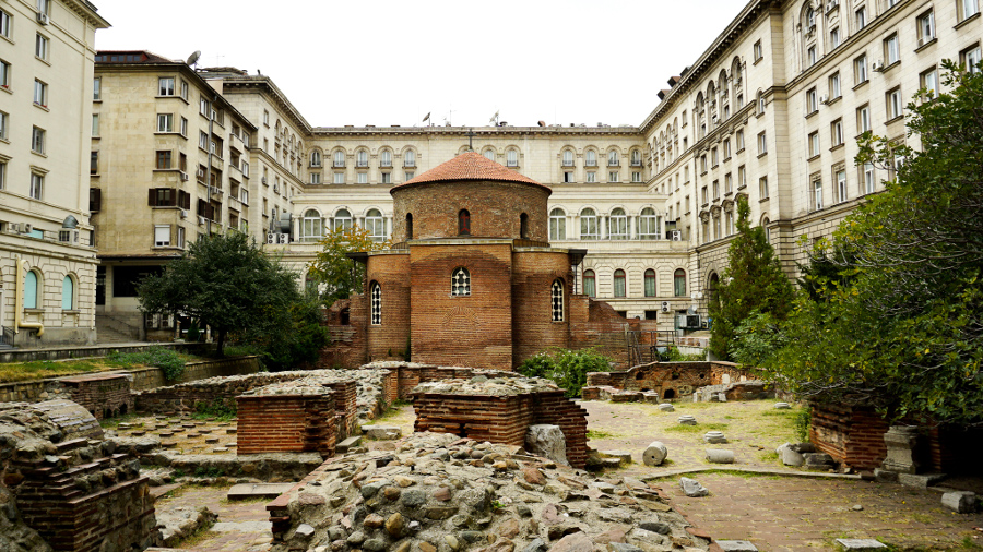 Saint George Rotunda in Sofia. Discover the top 15 things to do in in Sofa Bulgaria from an insider. #sofia #sofiaguide #sofiatravelguide #sofiabulgaria #bulgaria