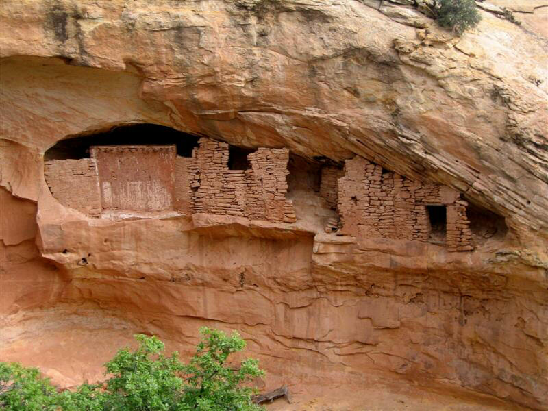 The ballroom ruins at the Bears Ears Monument are one of the top things to do at the Bears Ears National Monument. Learn what to do at thevBears Ears Monument from this article. #bearsears #bearsearsmonument #bearsearsutah #utahmonuments #nationalmonument #utah #usa