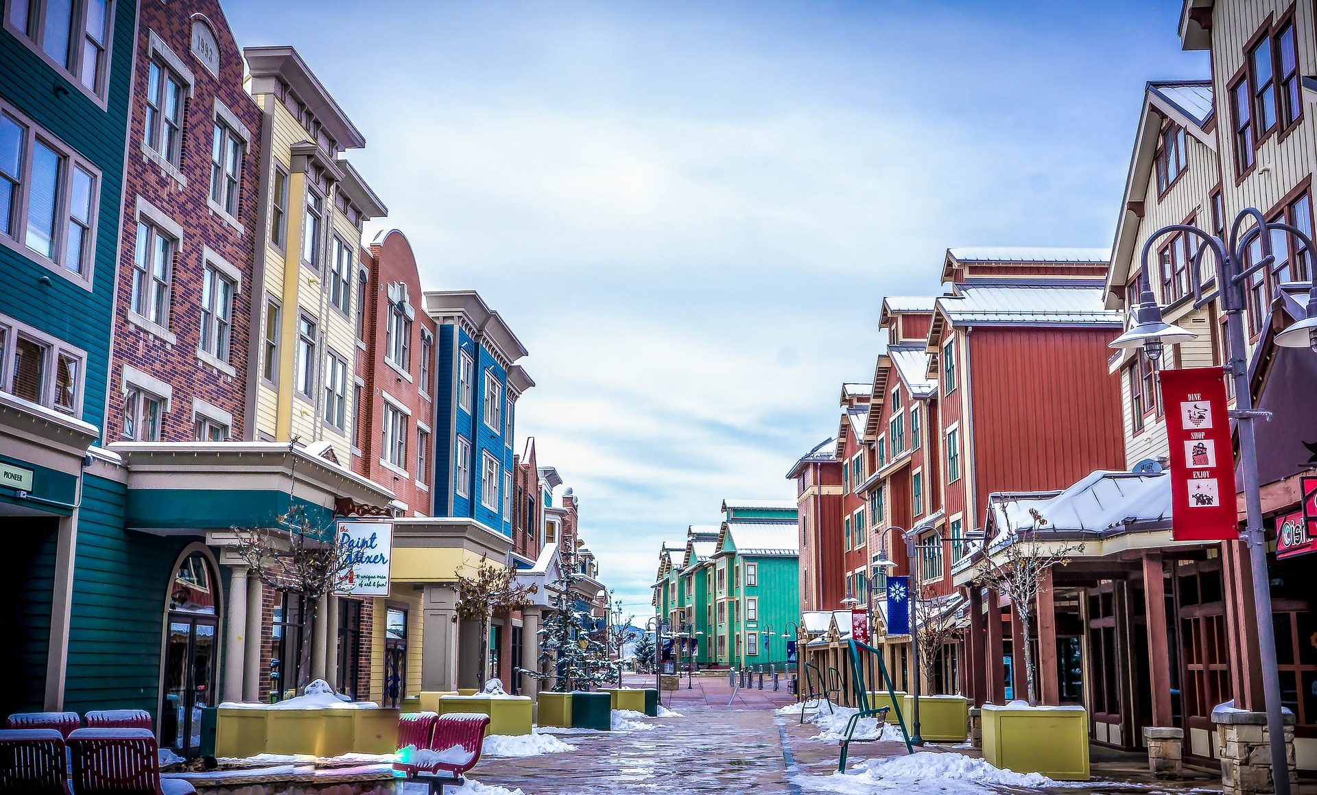 Park City, Utah during winter. Discover the top 10 winter vacations in the United States in this article. #usa #usawinter #winterusa