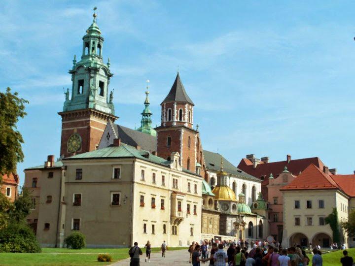 #krakow #krakowguide #krakowtravelguide #krakowcityguide #krakowtips #krakowpoland #poland #krakowattractions
