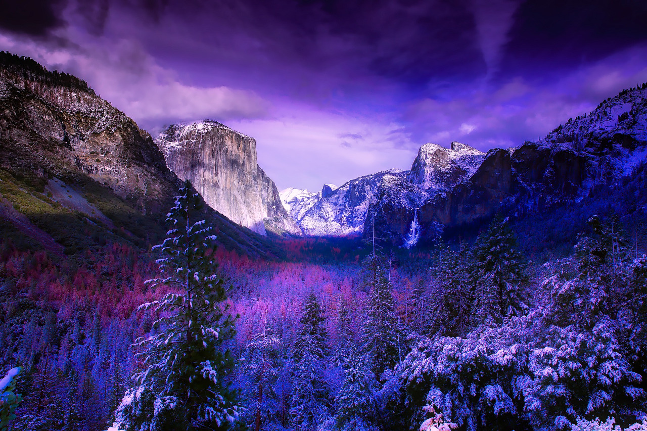 Yosemite National Park in California is one of the 10 best winter vacations in the United States #usa #usawinter #winterusa