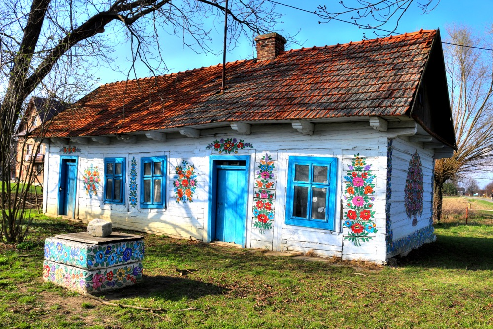 Visiting the painted village of Zalipie is one of the best things to do near Krakow. Discover more ideas as well as Krakow things to do, Polish food, hotels in Krakow, and tips from this article. This is the best guide to Krakow. #krakow #krakowguide #krakowtravelguide #krakowcityguide #krakowtips #krakowpoland #poland #krakowattractions