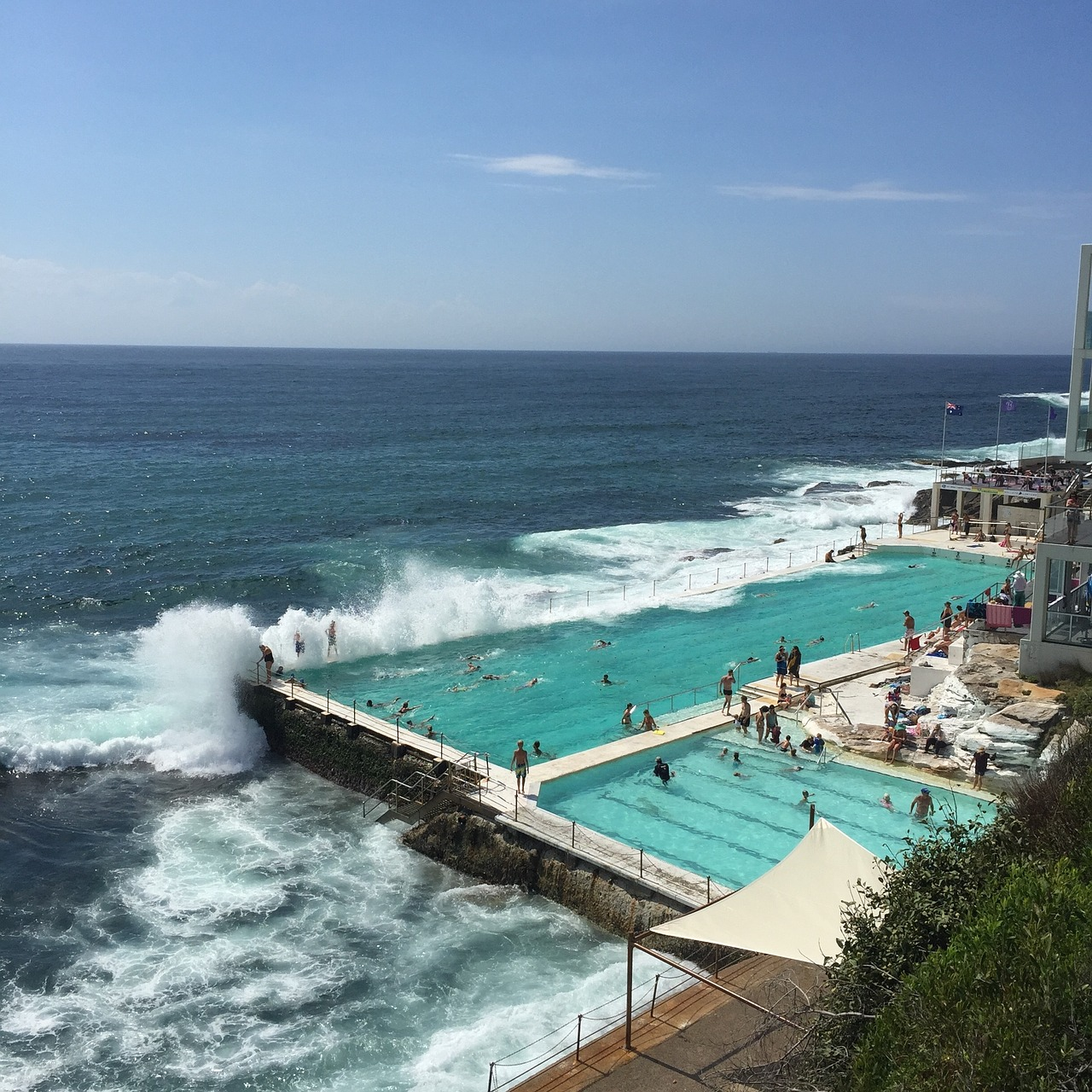 Bondi Beach Pool is one of the relaxing activities in Sydney. Discover what to do in Sydney and insider tips for Sydney from a local from this ultimate guide to Sydney. #sydney #sydneytrip #sydneyattractions #sydneyaustralia #australiatravel #sydneytravel
