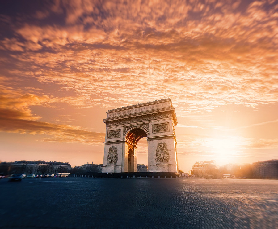Seeing the See the Arc de Triomphe is one of the items on the Paris experiences list. Discover more ideas for your Paris bucket list - the top things to do in Paris on a short trip from this article. #paris #parisbucketlist #parislist #parisfrance #france