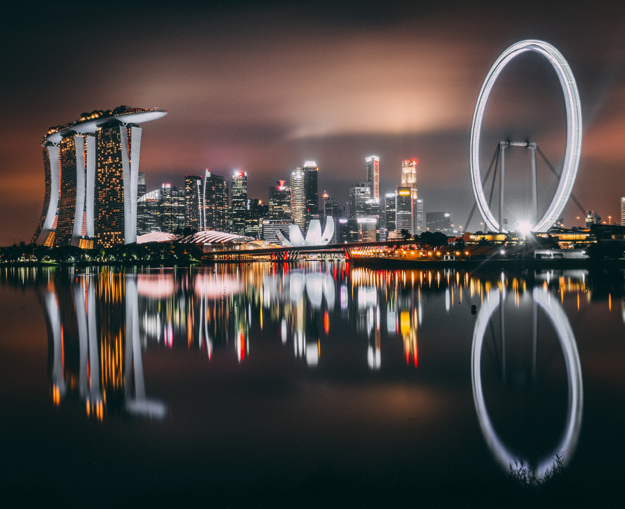 Planning a trip to Singapore? Discover the best time to visit Singapore - for sightseeing, shopping, low prices, and more. Read this Singapore travel tips article and decide when do you want to go to Singapore. #singapore #asia #singaporetips #travel #singaporetravel