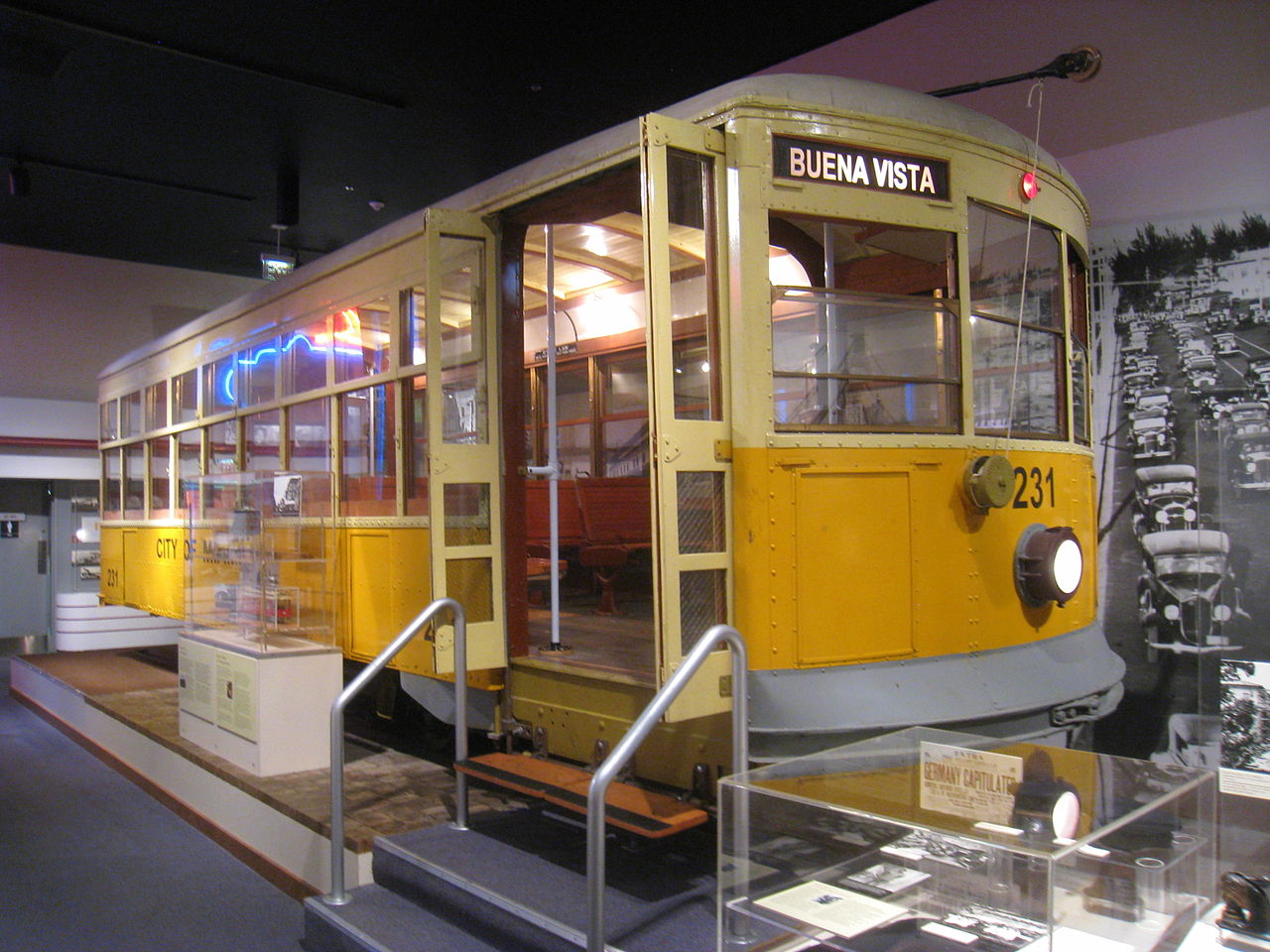 Former tram car from Miami, Florida exhibited at HistoryMiami museum. Discover 2 more amazing museums to visit in Miami from the article. #miami #usa #miamimuseum