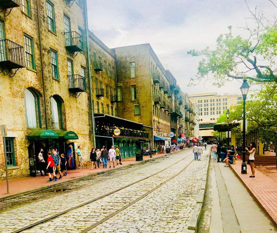 The River Street is one of the top Places to visit in Savannah Georgia. Use this guide to Savannah GA to discover Savannah travel tips and Savannah attractions. #savannah #georgia #usa #savannahguide