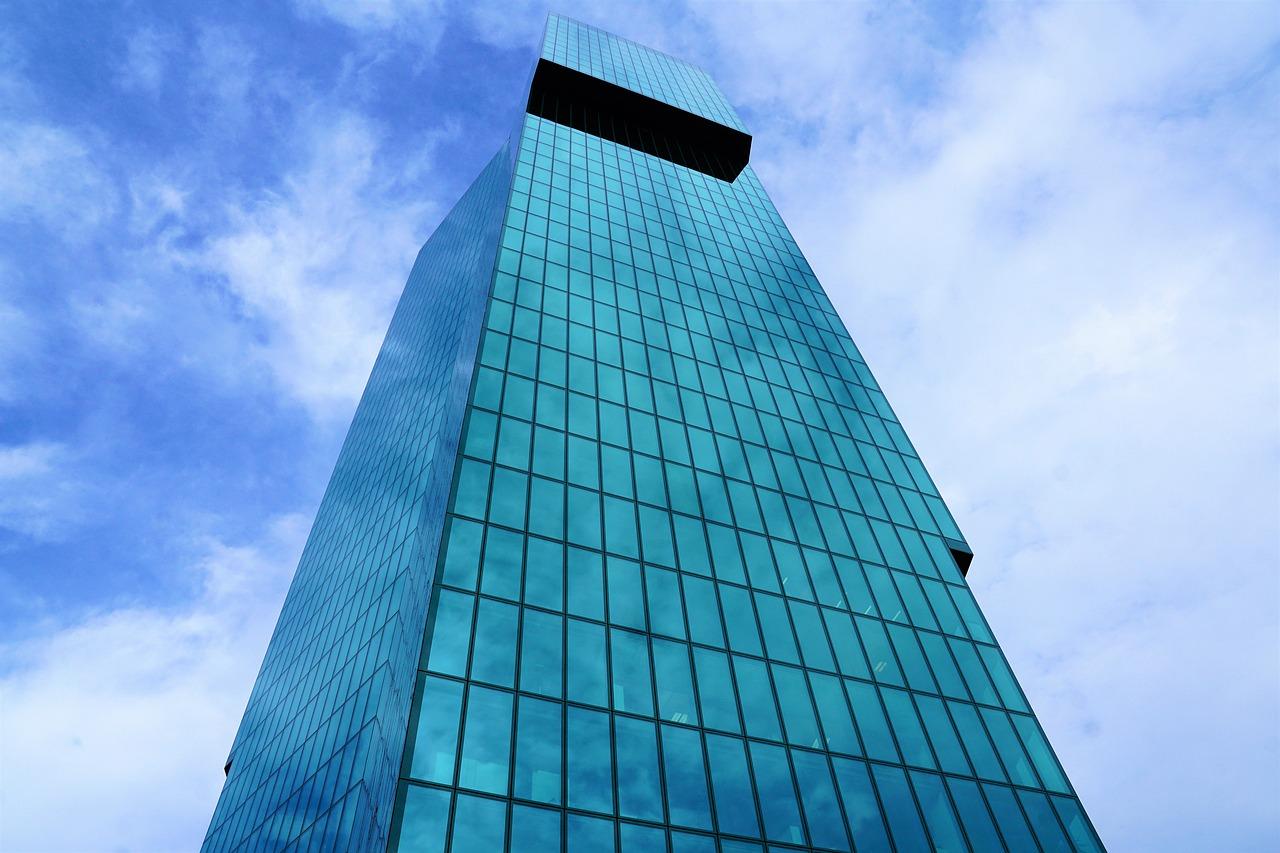 Prime Tower - одно из лучших мест, откуда открывается лучший вид на Цюрих. Читайте, чтобы найти наши лучшие места для посещения в Цюрихе