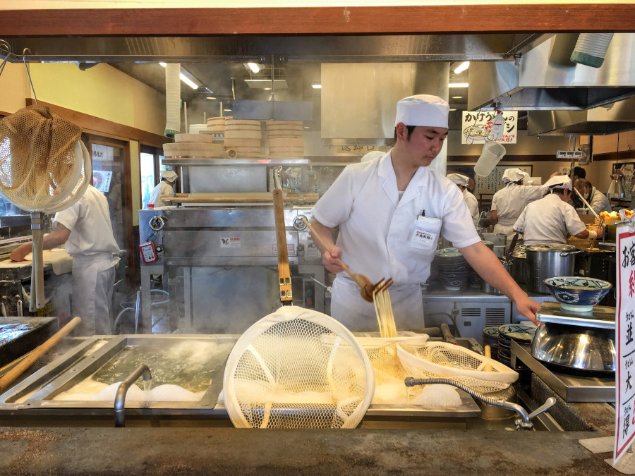 Tokyo restaurant. 10 things to know before you go to Tokyo