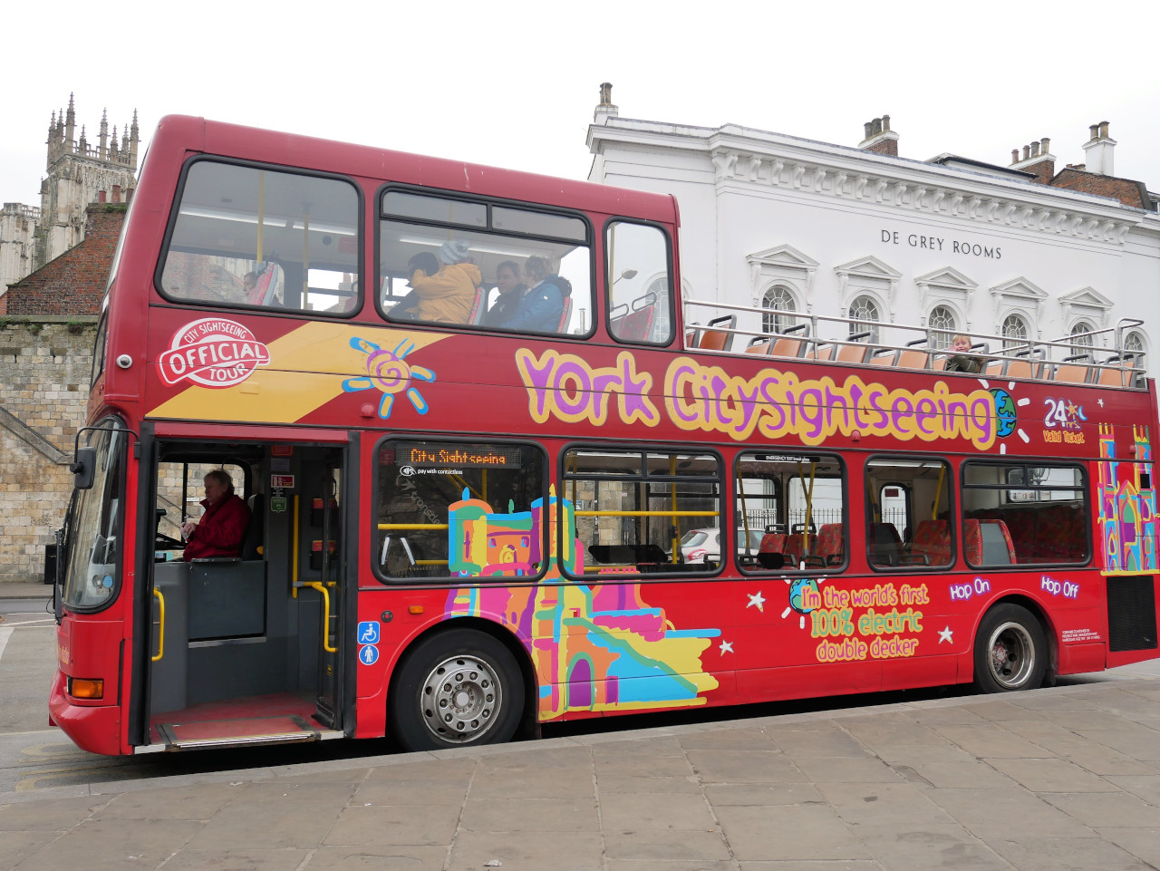 York sightseeing with York Hop on Hop off bus