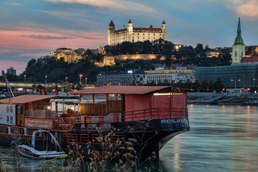 Vienna Day trips: Bratislava. 10 best Vienna day trips #vienna #austria #europe #daytrips