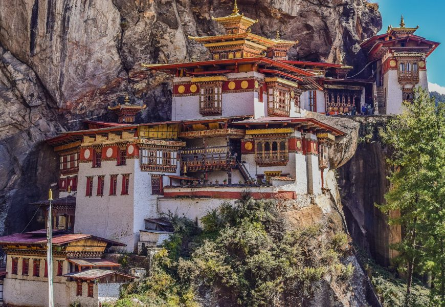 Budget travel Bhutan – Things to know before you tour Bhutan