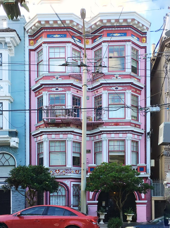 Victorian house in San Francisco. Use this San Francisco travel guide to create your San Francisco itinerary #sanfrancisco #sf #usa #travel