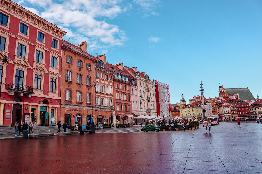 Two days in Warsaw, Poland - discover all the Warsaw sights with this 2-day itinerary for Warsaw