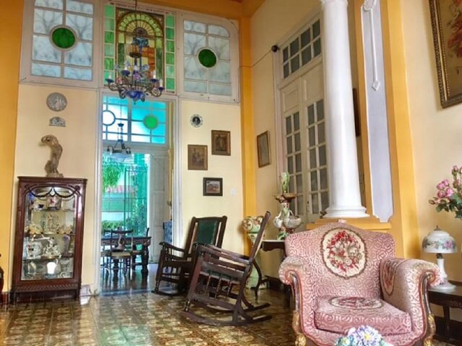 Casa частности Гавана - гостиная. Лучшие места для отдыха в Гаване, лучшие рестораны в Гаване и самые удивительные места в Гаване, Куба Гавана, Куба, еда, отели и советы Гавана, Куба, еда, отели и советы casa particular living room